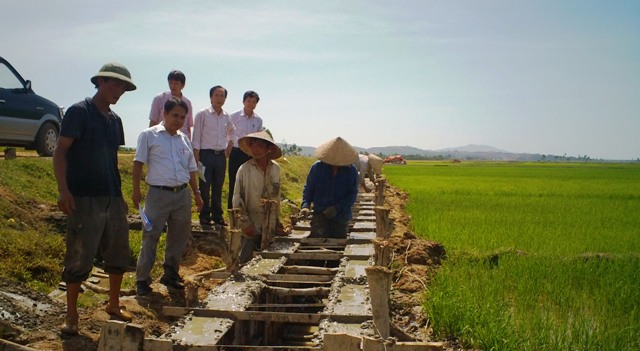 Can Lộc: Sơ kết 6 tháng thực hiện xây dựng NTM