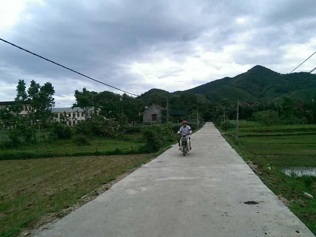 Dân góp tiền tỷ làm đường giao thông nông thôn